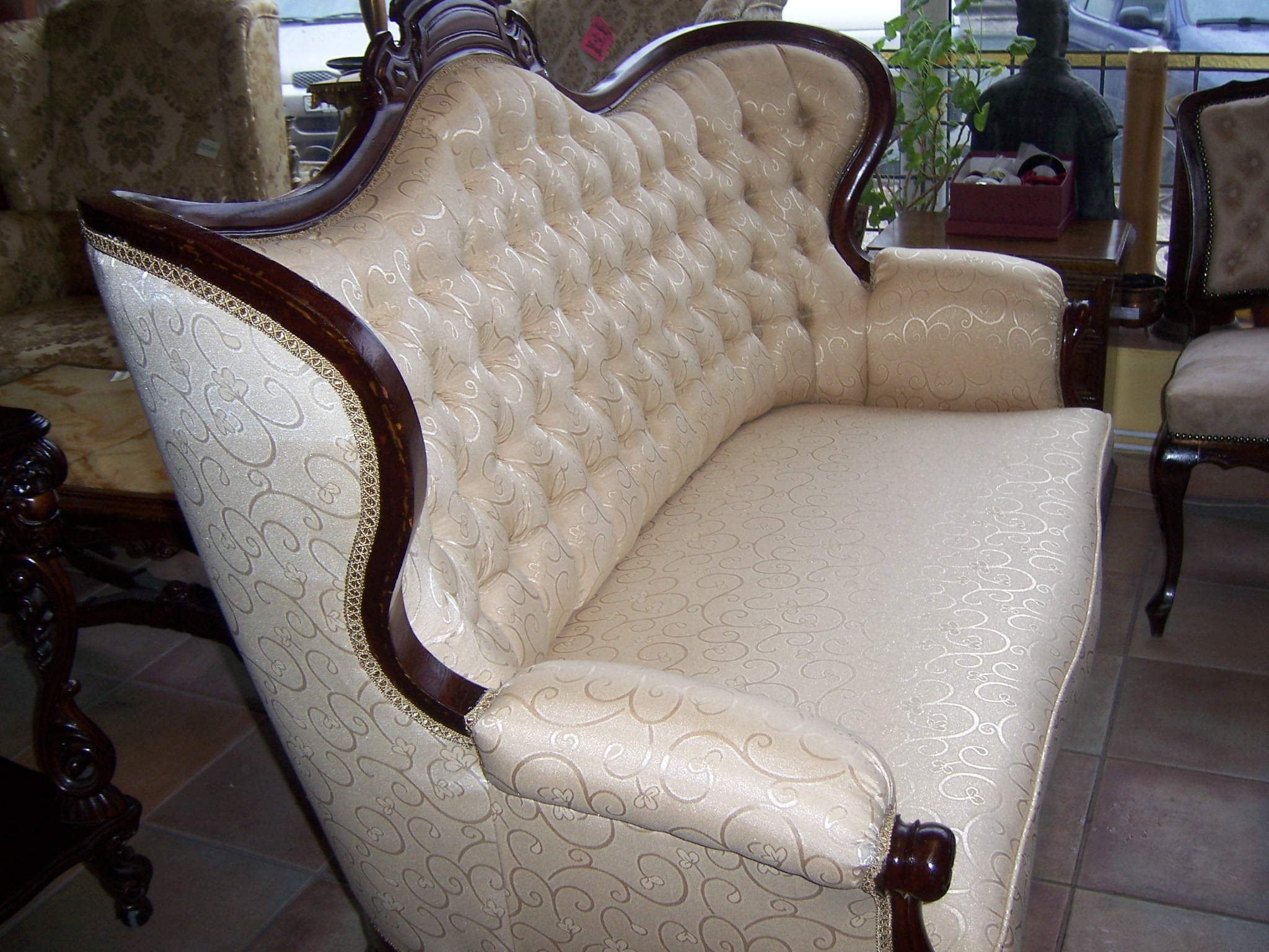 Antik bútor - értéket képvisel az Ön otthonában
